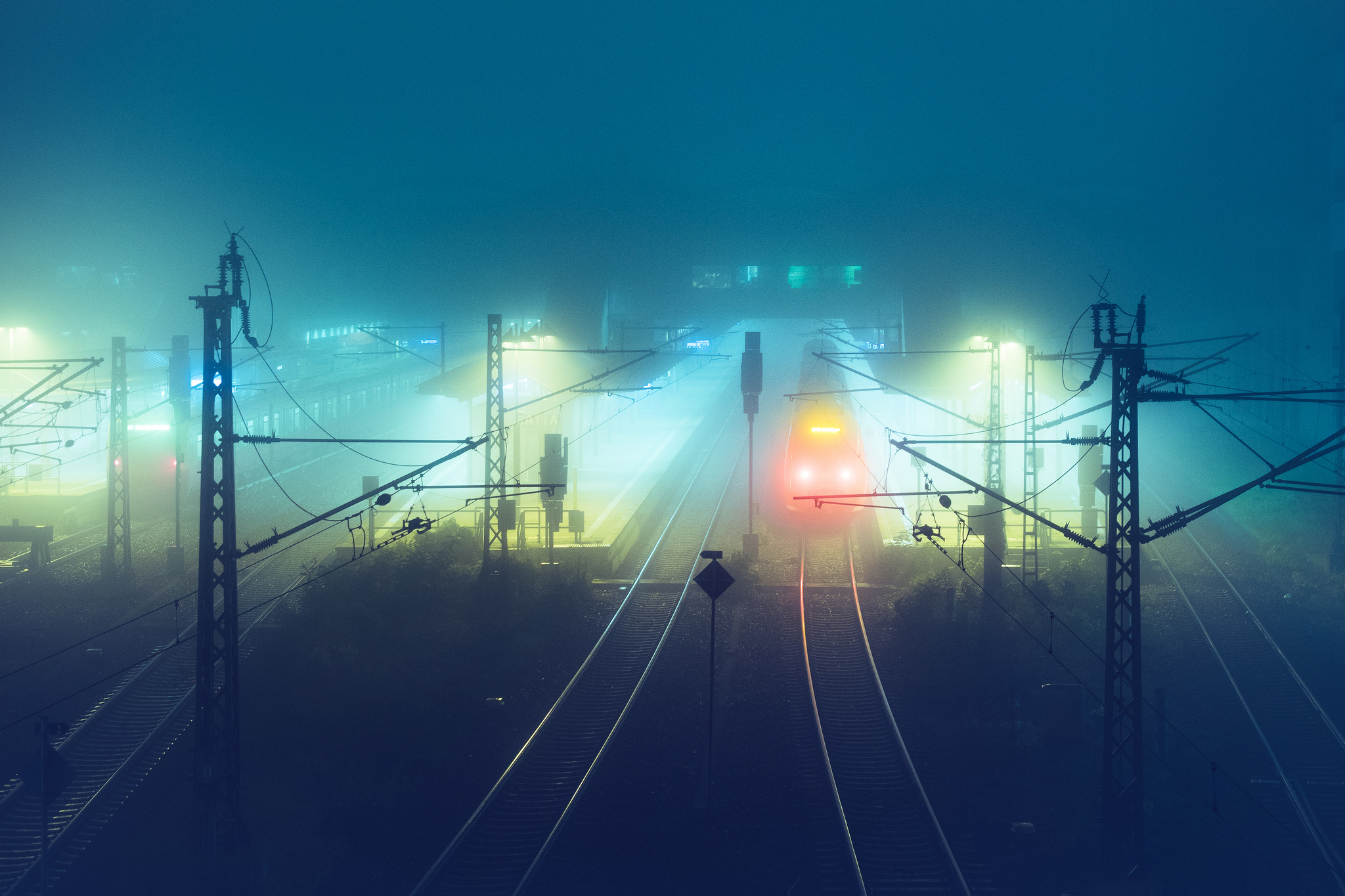 Andreas Levers - At night - Rail